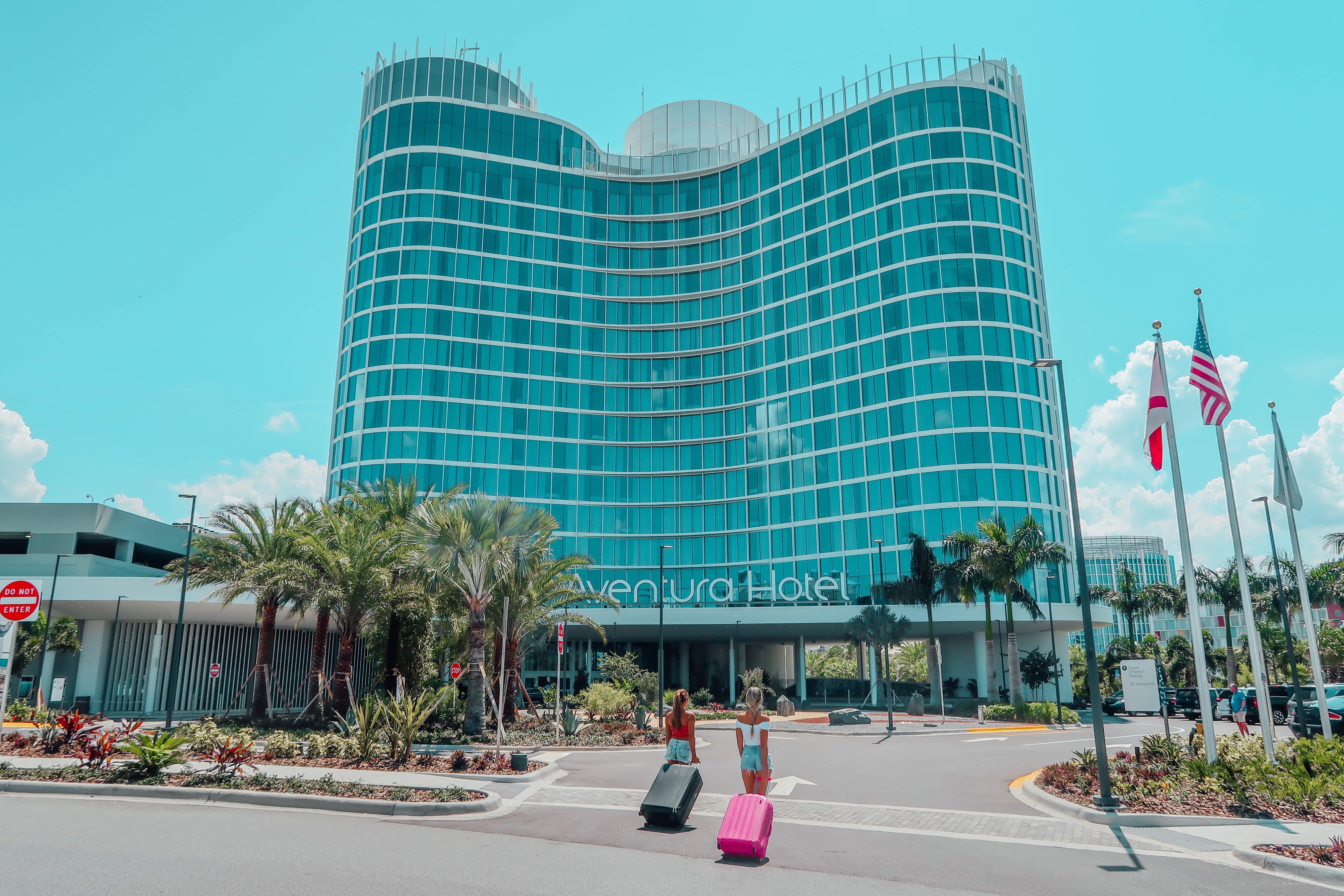 Checking into Universal's Aventura Hotel!