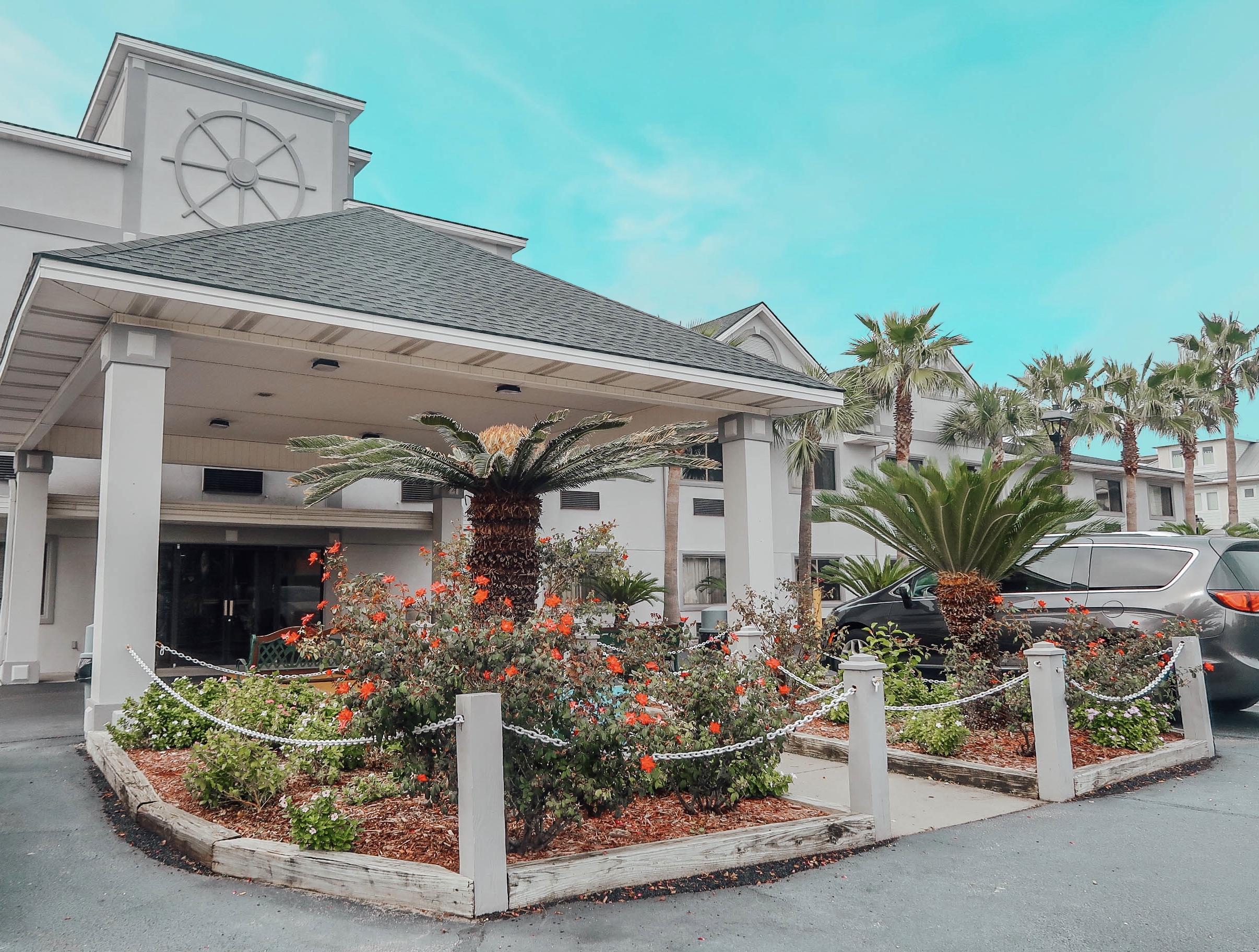 The Best Hotel on Tybee Island! – Admiral's Inn